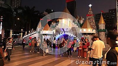 БАНГКОК ТАИЛАНД:22 НОЯБРЯ 2019 год: Рождественские Светы И Декорации Вечером , Бангкок Таиланд видеоматериал