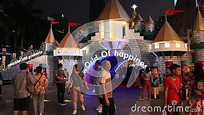 БАНГКОК ТАИЛАНД:22 НОЯБРЯ 2019 год: Рождественские Светы И Декорации Вечером , Бангкок Таиланд сток-видео