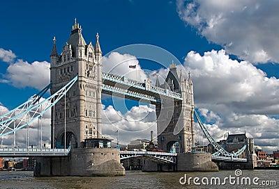 башня моста