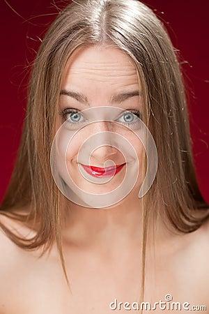 белокурая disbelieved женщина