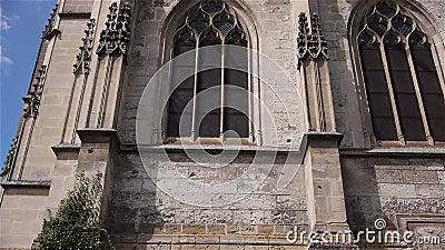 Бортовой экстерьер церков в Lisieux, Нормандии Франции, НАКЛОНЕ акции видеоматериалы