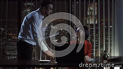 Босс creaming на женщине в офисе акции видеоматериалы