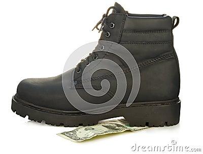 ботинок грубый
