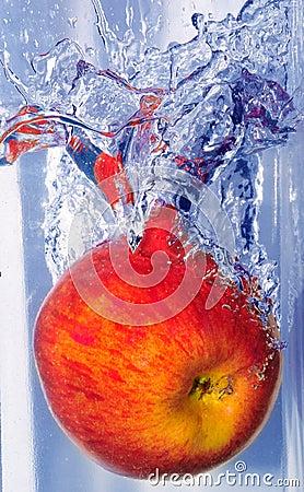 Брызгать яблоко