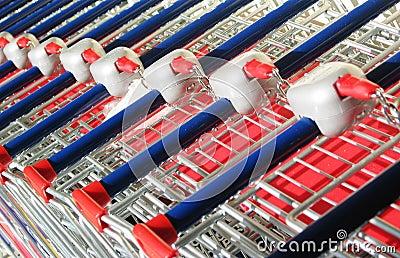 вагонетка супермаркета