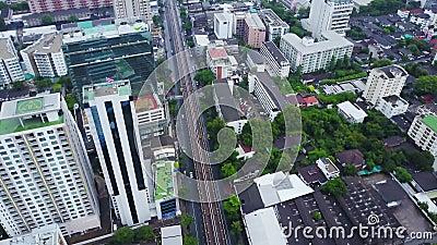 Взгляд сверху города с зданиями развития, транспорта Гонконга глобального, инфраструктуры силы энергии финансовохозяйственно видеоматериал