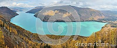 взгляд панорамы озера kanas