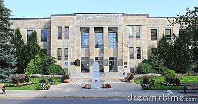 взгляд 4K UltraHD здание муниципалитета в St Catharines, Канаде видеоматериал
