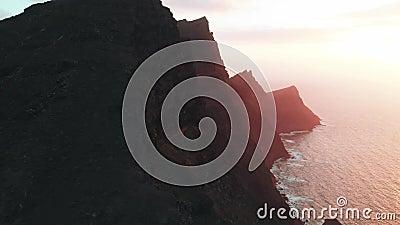 Вид с воздуха естественных привлекательностей острова Гран-Канарии - Mirador del Balcon Огромные горы вулканического начала на сток-видео