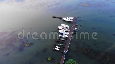 Вид с воздуха на яхты и катера акции видеоматериалы