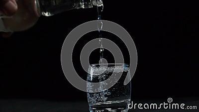 Водку заливают в стек акции видеоматериалы