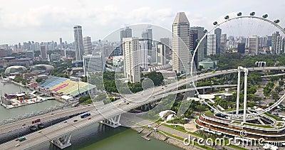 Воздушное видео с Флайера Сипаре, дрона движутся к шоссе, Сингапур видеоматериал