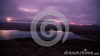 Восход солнца промежутка времени над горами акции видеоматериалы