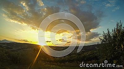 Восход солнца Timelaps и движение облаков сток-видео