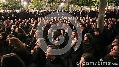 Во время Queima das Fitas - традиционное праздненство студентов некоторых португальских университетов видеоматериал