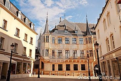герцогский грандиозный дворец