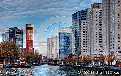 Городской пейзаж Роттердам Редакционное Изображение