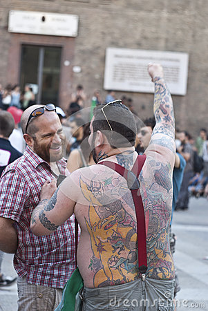 гордость 2012 участников bologna голубая Редакционное Изображение