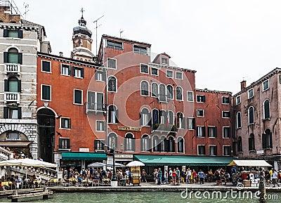 Гостиница Rialto Редакционное Фото