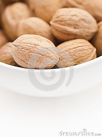 грецкие орехи чашки