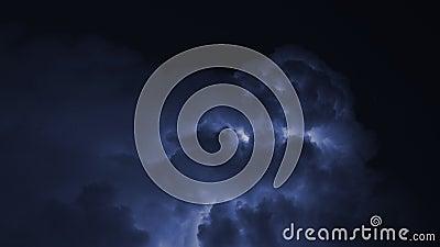 Гроза с молнией