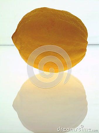 Груб-Снятый кожу с лимон