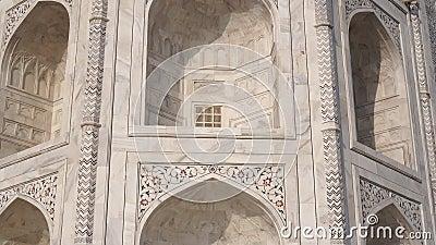 Дворец и гробница близлежащего Тадж-Махала Красивая мраморная арка, ТаджМахал акции видеоматериалы