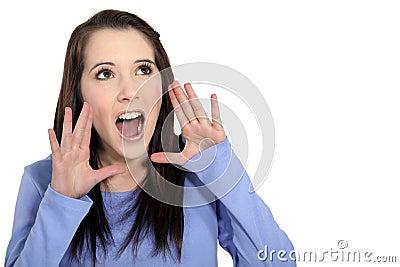 Девушка кричащая