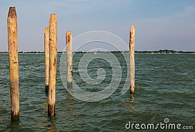 Деревянные Poles