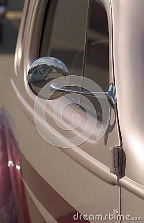 деталь античного автомобиля