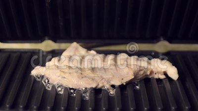 Жареное мясо видеоматериал
