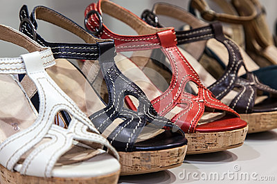 Женственные сандалии