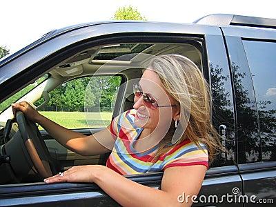 женщина водителя милая