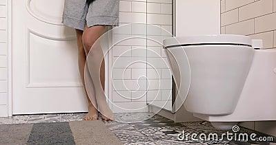 Скачать Видео Жениское Туалет