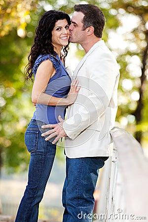 женщина человека поцелуя