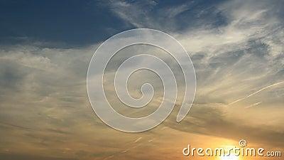 Заход солнца Зажим промежутка времени облаков акции видеоматериалы