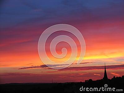 заход солнца церков
