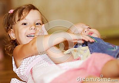 Игра сестер