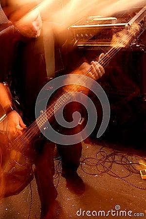 игрок движения 2 басов
