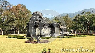 Индия goa Единственный, который остали висок Mahadev столетие XIII в Tambdi Surla сток-видео