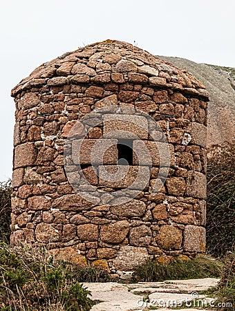 Каменное укрытие