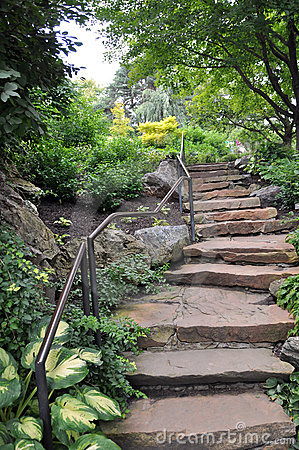 камень лестниц