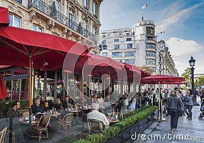 Кафе Fouquet Редакционное Изображение