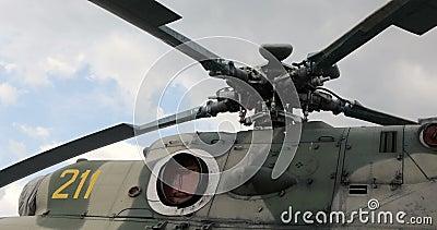 Конец-вверх лопаток ротора ` s вертолета Части вертолета Русский воинский вертолет акции видеоматериалы