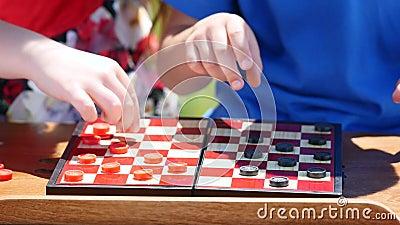 Контролеры игры рук детей в природе видеоматериал