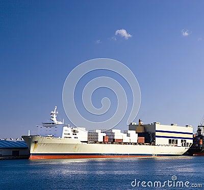 корабль контейнера