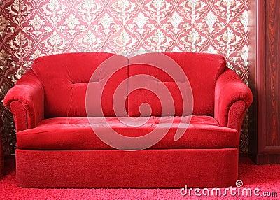 Красная софа