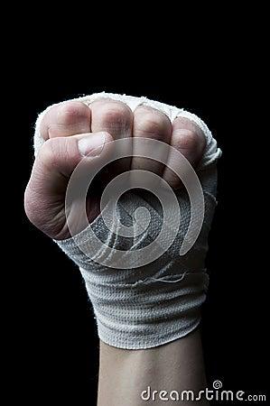 кулачок оборачивает запястье руки