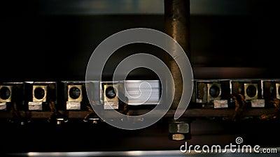 Лезвия турбины близкого взгляда поворачивают производить электричество сток-видео