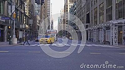 Лексингтон Аве и 42-я улица Нью-Йорка, США сток-видео